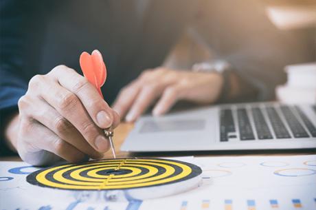 10 novos cursos dedicados à área comercial com curadoria e coordenação